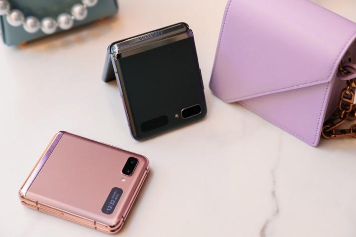 上下折叠与立式交互新体验,三星Galaxy Z Flip 5G惊艳亮相